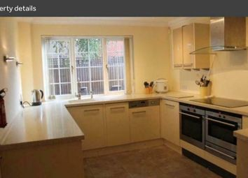 Thumbnail 3 bed detached house to rent in Longlane, London