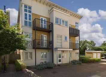 Parr Court, Ewell, Surrey KT19. 2 bed flat