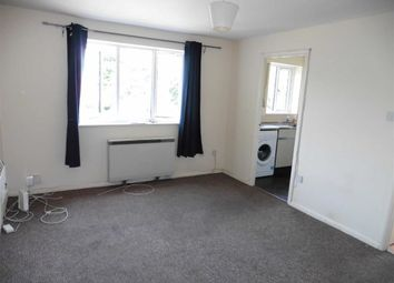 Thumbnail Studio to rent in Conway Gardens, Grays