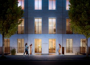 Thumbnail 1 bed flat for sale in Molyneux Street, London