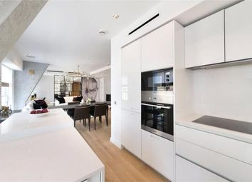Thumbnail 3 bed flat to rent in Essex Street, Covent Garden