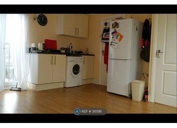 Thumbnail Studio to rent in Chatsworth Crescent, Hounslow