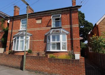 Middle Hill, Englefield Green, Egham TW20. 2 bed property
