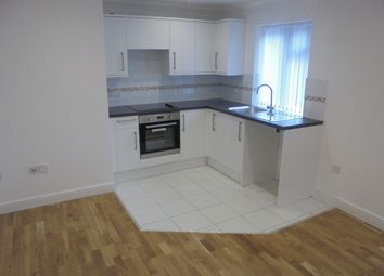 Thumbnail 2 bedroom flat to rent in Hazelbury Cresent, Luton