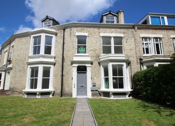 2 bed flat to rent in Alma Place, North Shields NE29
