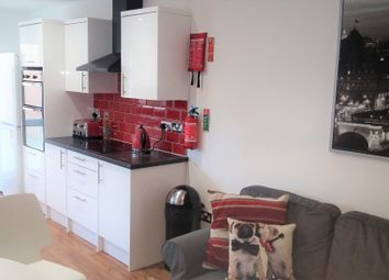 Room to rent in Donald Street, Roath, Cardiff CF24