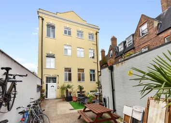 Clarence Road, Hackney, London E5. 2 bed flat for sale