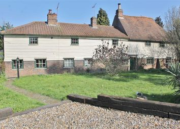Thumbnail 3 bed cottage to rent in Wrotham Road, Meopham, Gravesend
