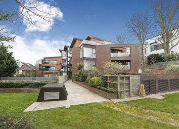3 bed flat for sale in Penthouse, Oak Lodge NW3