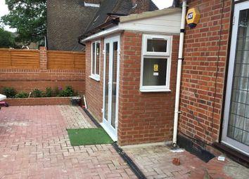 Thumbnail Studio to rent in Pembroke Road, Erith, Kent