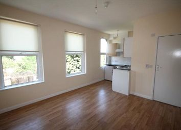 Thumbnail 1 bed flat to rent in Dagnall Park, South Norwood, London