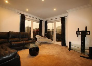 2 bed flat to rent in Possil Road, Glasgow G4