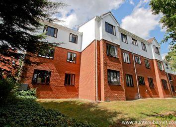 Thumbnail 1 bed flat to rent in Lyonsdown Road, New Barnet, Barnet