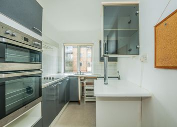 Thumbnail 1 bed flat to rent in Marlow Road, Maidenhead