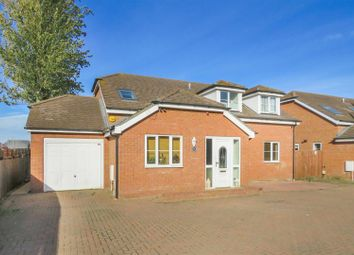 Cambridge Road, Langford, Biggleswade, Bedfordshire SG18. 4 bed detached house