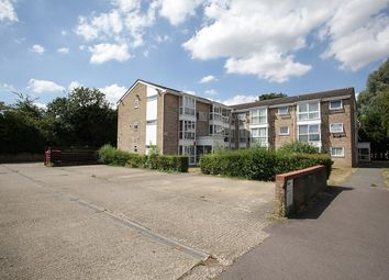Thumbnail 2 bed flat for sale in Vincent Road, Luton, Bedfordshire