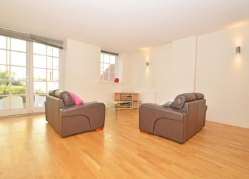 Thumbnail 3 bed flat to rent in Enfield Road, London