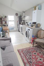 Thumbnail 3 bed maisonette to rent in Clifden Road, London