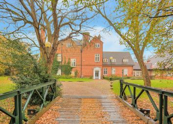 Thumbnail 3 bed flat to rent in Salisbury Hall, St Albans, Hertfordshire