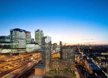 Thumbnail 3 bed flat for sale in Manhattan Plaza, Canary Wharf, London