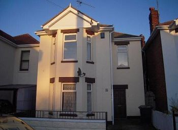 Thumbnail 2 bed flat to rent in Rosebery Road, Boscombe