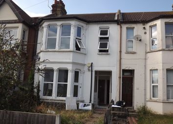 High Street, Shoeburyness SS3. 3 bed flat
