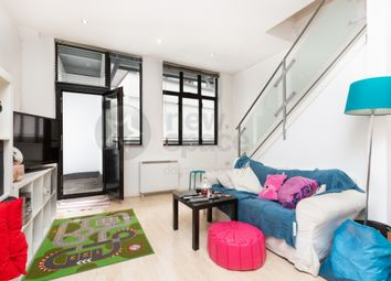 Thumbnail 2 bed flat to rent in Triangle Road, London Fields