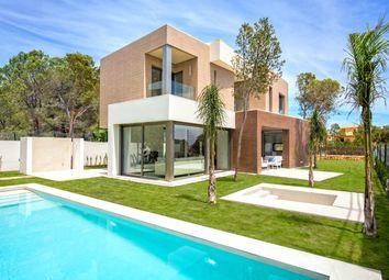 Thumbnail 3 bed villa for sale in Avenida De América 03509, Benidorm, Alicante