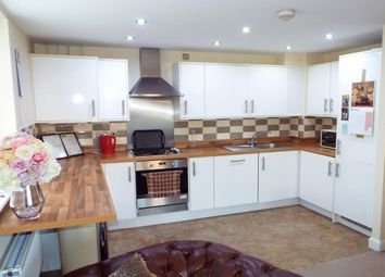 2 bed flat to rent in Derwent Drive, Doncaster DN4