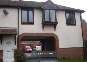 Thumbnail 1 bed flat to rent in Gorse Meade, Berkshire
