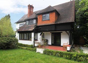 Thumbnail 6 bed detached house to rent in Hook Heath Road, Hook Heath, Woking