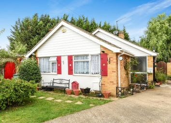 Trewenna Drive, Chessington KT9. 3 bed detached bungalow