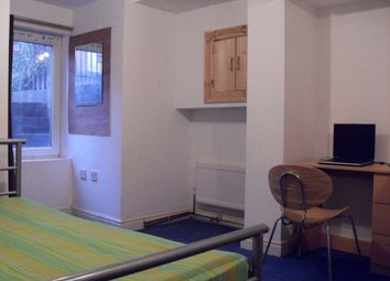 Thumbnail 7 bed property to rent in Brudenell Street, Hyde Park, Leeds