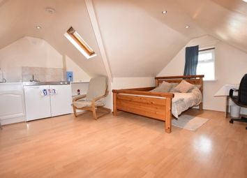Thumbnail 1 bed flat to rent in Felden Close, Watford