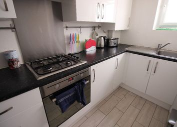 Thumbnail 3 bed flat to rent in Digby Street, Tower Hamlets