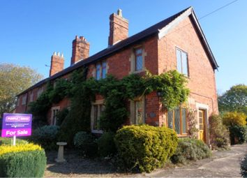 Thumbnail 2 bed cottage for sale in Low Road, Grantham