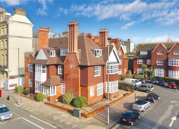 Thumbnail 2 bedroom flat to rent in Grand Avenue, Hove, East Sussex