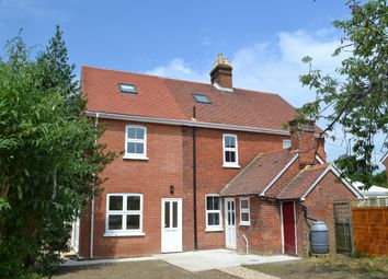 Thumbnail 4 bed cottage to rent in Lees Road, Yalding, Maidstone