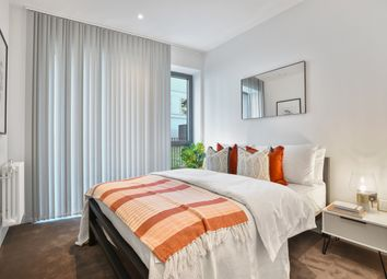 Thumbnail 2 bedroom flat for sale in City Island Way, London