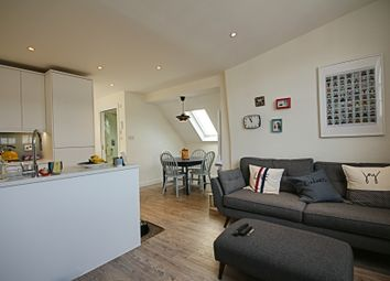Thumbnail 2 bedroom flat to rent in Brecknock Road, Kentish Town