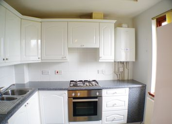 Thumbnail 2 bedroom flat to rent in Lochgelly Road, Cowdenbeath