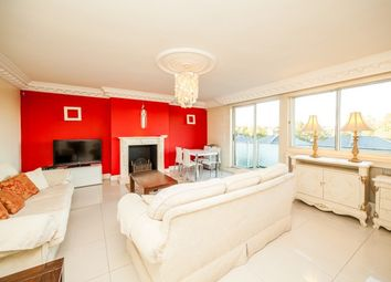Thumbnail 2 bed flat to rent in Warwick Gardens, London