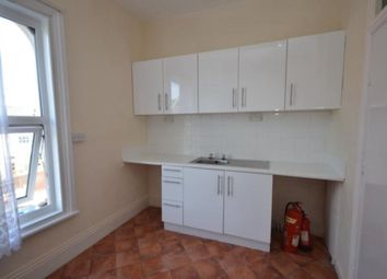 2 bed flat to rent in Hainton Avenue, Grimsby DN32
