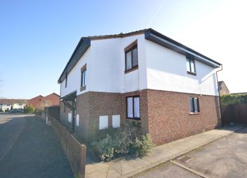 Thumbnail 1 bed flat to rent in Queens Drive, Abbots Langley