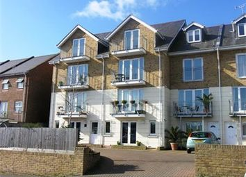 Thumbnail 2 bedroom flat to rent in 284 Arctic Road, Cowes