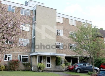 4 bed flat to rent in Lovelace Road, Surbiton KT6