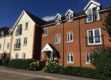Thumbnail 2 bed flat to rent in Whinbush Road, Hitchin