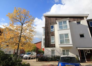 Thumbnail 2 bed flat to rent in Lindisfarne Way, Reading