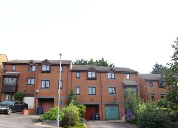 Thumbnail 3 bed property to rent in Garratts Way, High Wycombe