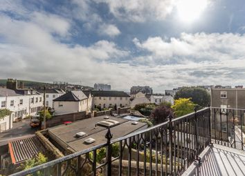 2 bed flat to rent in Lewes Crescent, Brighton BN2